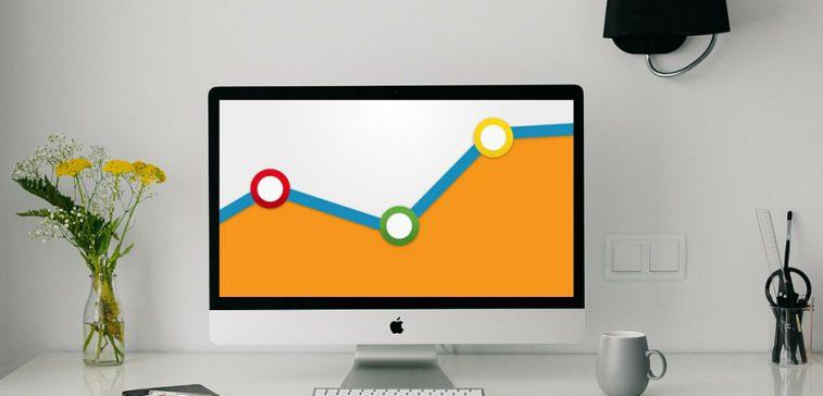 In Google Analytics kan men uitzoeken of een advertentie wellicht een ondersteunende functie heeft